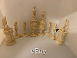 Antique Early 19c Bone Chess Set In 18c Domed Top Leatherette Box